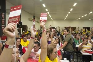 Servidores votaram emendas ao Documento Base / Foto: Marcos Adegas